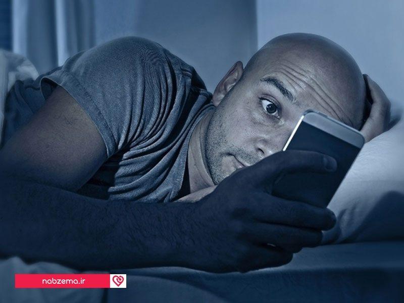 وسایل الکترونیکی در تخت خواب