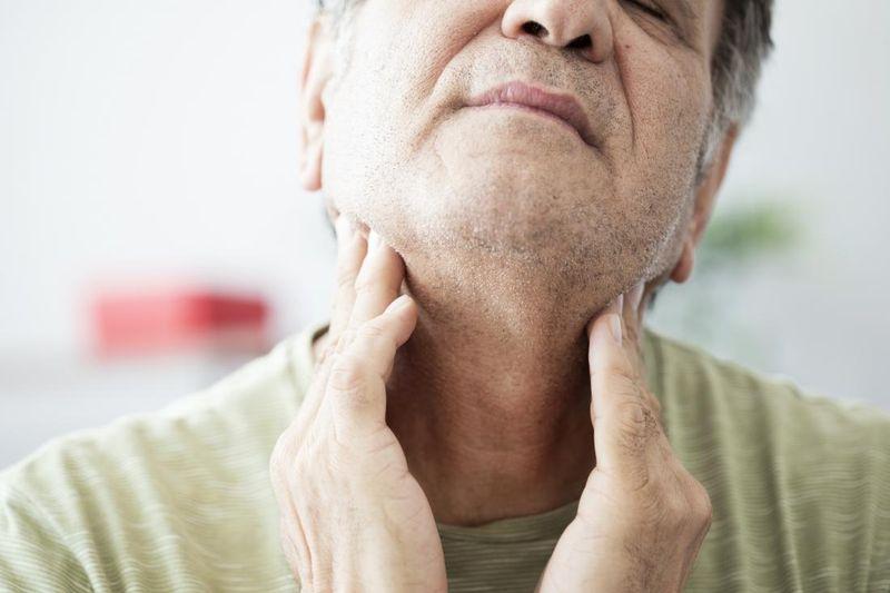درمان احساس خفگی در گلو