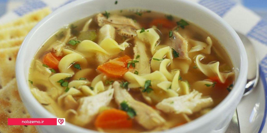 سوپ نودل با مرغ