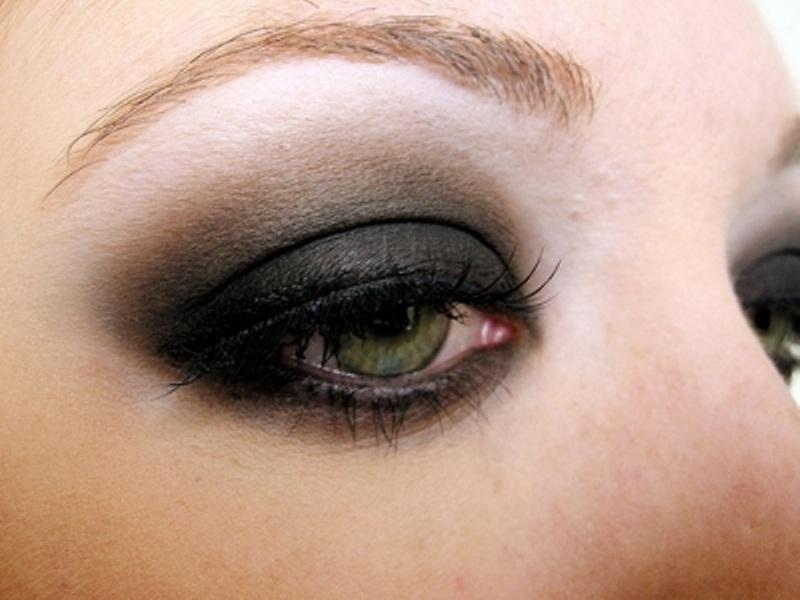 آرایش چشم مشکی