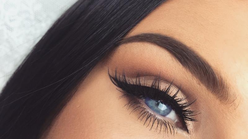 آرایش چشم مشکی با پوست سبزه