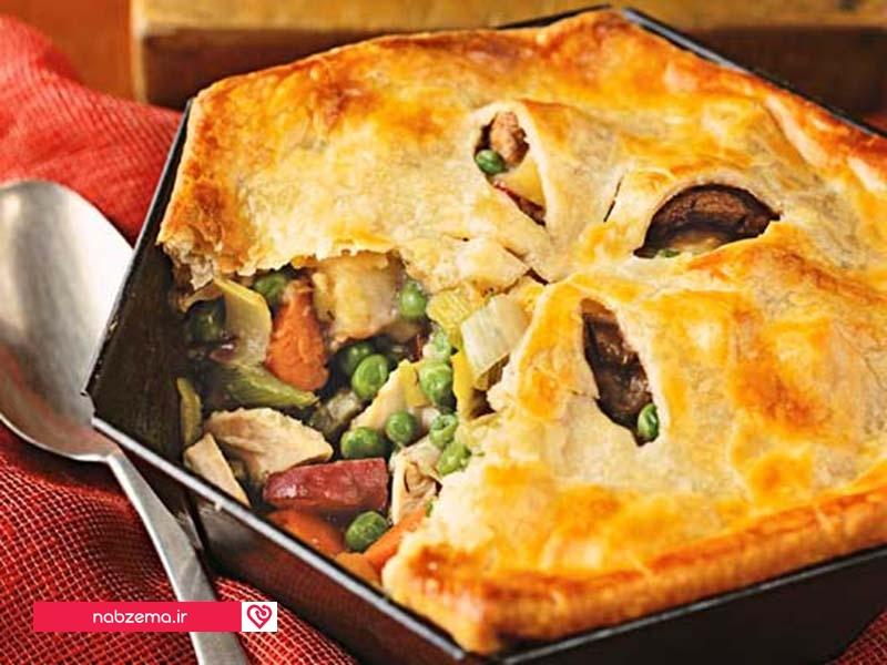 خوراک مرغ و سبزیجات در فر