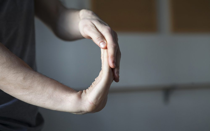 کشش دست