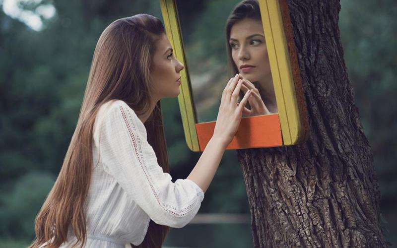 ویژگی های یک دختر با شخصیت