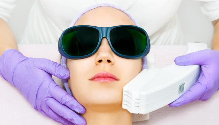 درمان با نور پالسی شدید (IPL)