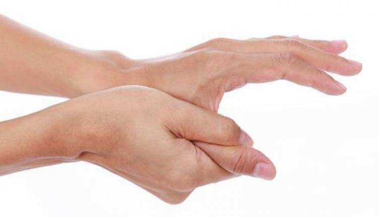 پیچ خوردن انگشت شست