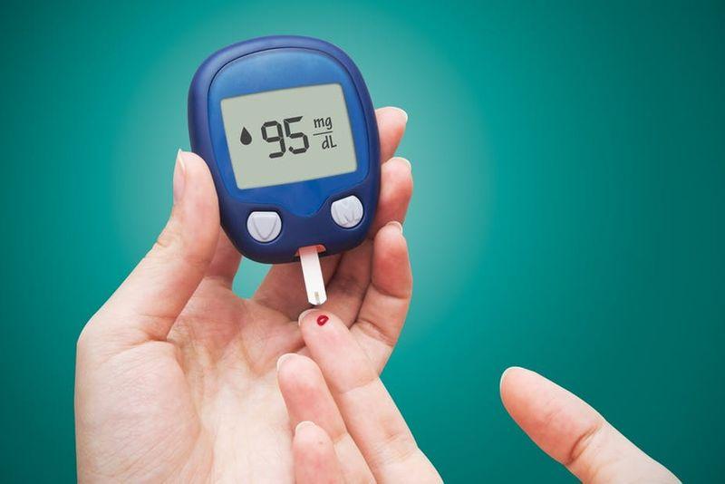 خشکی لب نشانۀ دیابت است