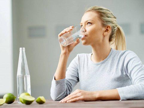 رژیم آب درمانی برای کاهش وزن