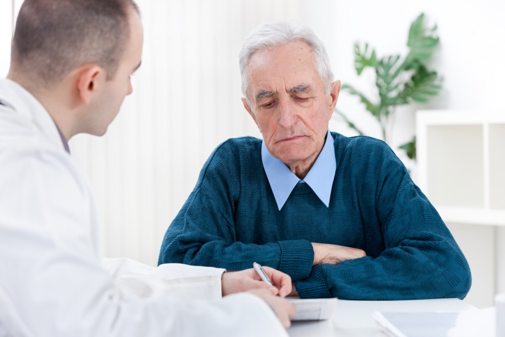مشورت با پزشک متخصص