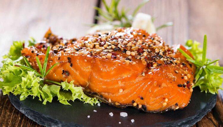 طرز تهیه ماهی سالمون سوخاری