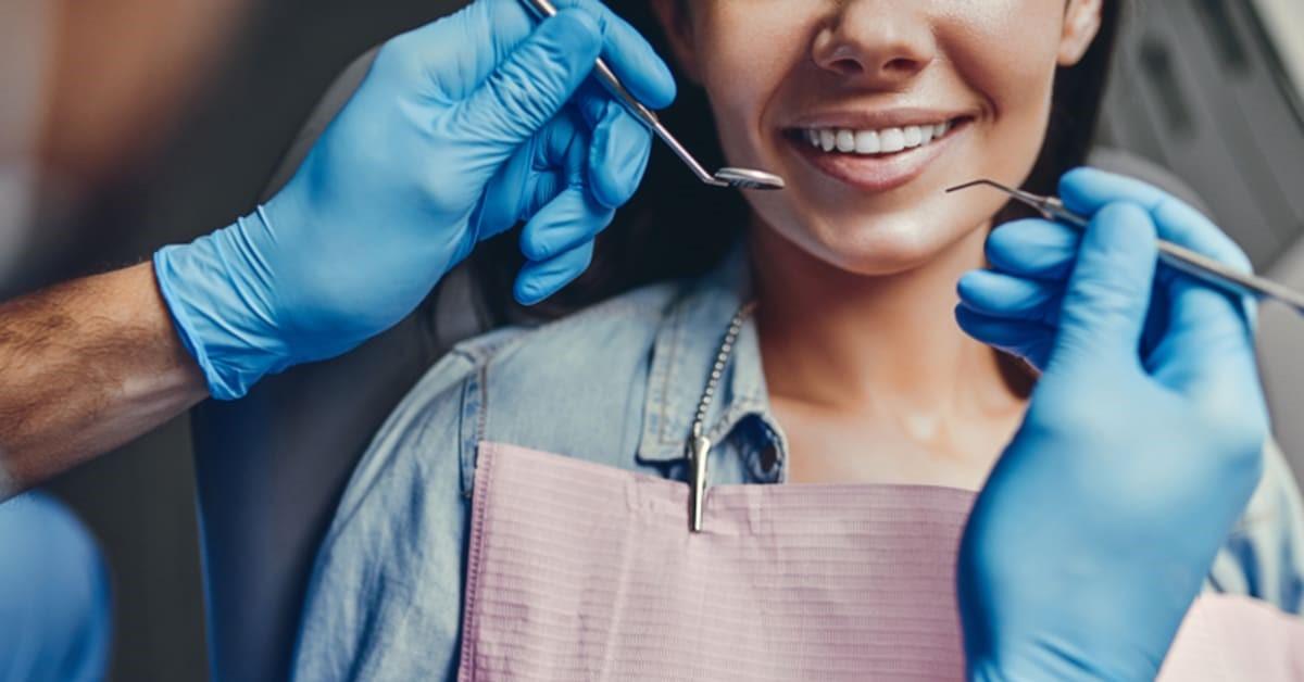 شرح شغل و وظایف دستیار کنار دندانپزشک
